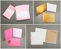 Inzameling van kleurrijke kaarten en enveloppen over grijze achtergrond Royalty-vrije Stock Fotografie
