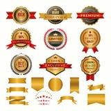 Inzameling van luxe gouden kentekens en emblemen Vectordieetiketten voor van u persoonlijke ontwerpprojecten worden geplaatst stock illustratie