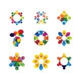Inzameling van mensenpictogrammen in cirkel - vectorconcepteneenheid, sol Royalty-vrije Stock Foto's