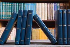 Inzameling van oude boeken royalty-vrije stock foto