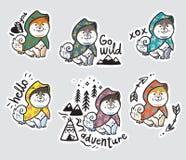 Inzameling van stickers met grappige schor puppy in kleurrijke regenjassen Stock Foto's