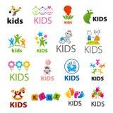 Inzameling van vectoremblemenkinderen Stock Afbeelding