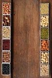 Inzameling van verschillende peulvruchten stock foto