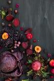 Inzameling van Verse Purpere Vruchten en Groenten Royalty-vrije Stock Fotografie