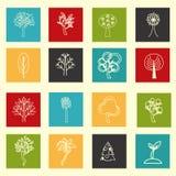 Inzameling van vlak geschetste boompictogrammen Stock Afbeeldingen