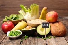 Inzameling van voedsel hoog in vezel Stock Foto