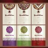 Inzameling van wijnetiketten Stock Foto