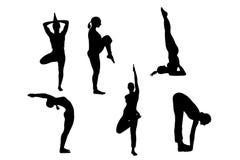 Inzameling van yoga vrouwelijk die silhouet op witte achtergrond met het knippen van weg wordt geïsoleerd stock afbeelding