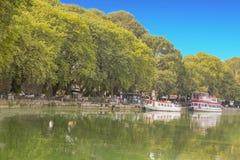Ioannina-Stadt Griechenland, Boote stockbilder