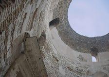 Iocletians slott - 'Oculusen 'eller hål i taket Detta utrymme används ofta av musikaliska aktörer, som akustiken är sup royaltyfri bild