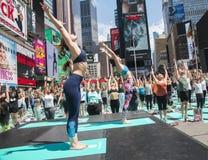 A ioga esquadra às vezes Imagem de Stock Royalty Free