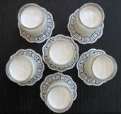 Iogurte caseiro fresco natural do leite de vaca feito a mão Imagens de Stock Royalty Free