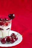Iogurte com cereja foto de stock