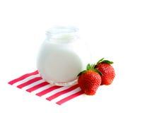 Iogurte fresco fotografia de stock royalty free