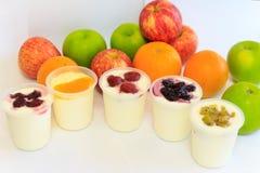 iogurtes de fruto Imagens de Stock Royalty Free