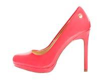 Iolated röd kvinnlig sko Arkivbilder