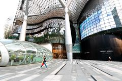 ION Orchard shoppinggalleria Singapore Arkivfoto