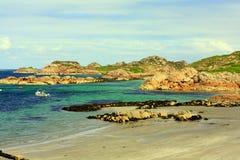 Iona jest małym wyspą w Wewnętrznym Hebrides z Ross Rozmyślam na zachodnim wybrzeżu Szkocja obrazy royalty free