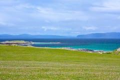 Iona jest małym wyspą w Wewnętrznym Hebrides z Ross Rozmyślam na zachodnim wybrzeżu Szkocja fotografia royalty free