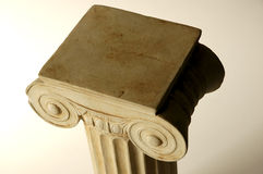 ionic gammalt för kolonn Arkivbild