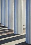Ionische kolommenachtergrond Royalty-vrije Stock Foto
