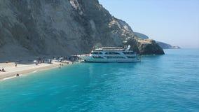 Ionische Overzees, het eiland van Griekenland, Lefkada, Porto Katsiki stock videobeelden