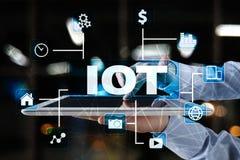 IOT Διαδίκτυο της έννοιας πράγματος Πολυδιαυλικό σε απευθείας σύνδεση δίκτυο επικοινωνίας 4 ασύρματη εφαρμογή Διαδικτύου 0 τεχνολ Στοκ φωτογραφία με δικαίωμα ελεύθερης χρήσης