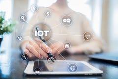 IOT Διαδίκτυο της έννοιας πράγματος Πολυδιαυλικό σε απευθείας σύνδεση δίκτυο επικοινωνίας ψηφιακά 4 τεχνολογία 0 Στοκ εικόνες με δικαίωμα ελεύθερης χρήσης