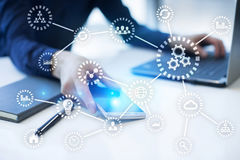 IOT 事互联网  自动化和现代技术概念 库存照片