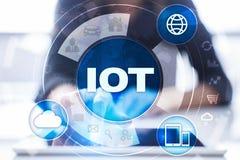 IOT 事概念互联网  多途径网上通讯网络 免版税库存照片