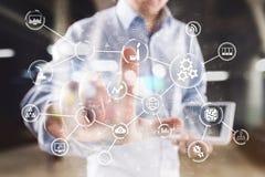 事聪明的产业技术和互联网概念自动化IOT互联网  免版税图库摄影