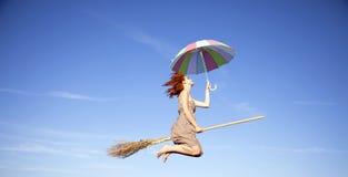 σκούπα που πετά τις μαλλ&iot Στοκ εικόνες με δικαίωμα ελεύθερης χρήσης
