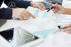 IOT Internet von Sachen Automatisierung und modernes Technologiekonzept lizenzfreie stockbilder