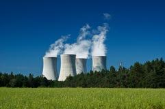σταθμός πυρηνικής ενέργε&iota Στοκ εικόνες με δικαίωμα ελεύθερης χρήσης