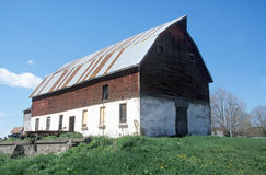 Iowa Barn. An old barn in Bellevue, Iowa royalty free stock image