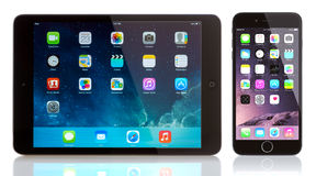 IPad μίνι και iPhone 6 Στοκ Εικόνες