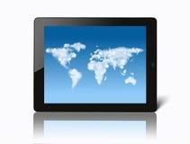 Ipad με τον παγκόσμιο χάρτη φιαγμένο από σύννεφα στην οθόνη διανυσματική απεικόνιση