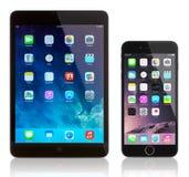IPad kortkort och iPhone 6 plus Fotografering för Bildbyråer