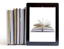 Ipad 3 mit Buchhintergrund auf Büchern stockbilder