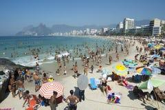 Ipanema海滩里约热内卢拥挤早晨视图 库存照片