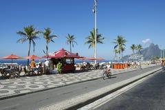 Ipanema海滩里约热内卢木板走道自行车道路 免版税库存图片
