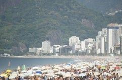 Ipanema海滩里约热内卢巴西繁忙的天 免版税库存照片