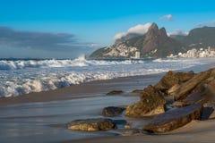 Ipanema plaży widok w ranku, Rio De Janeiro, Brazylia zdjęcia stock