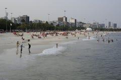 Ipanema strand och Atlantic Ocean i Rio de Janeiro Arkivbilder