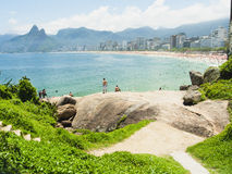 IPANEMA STRAND, RIO DE JANEIRO, BRAZILIË - NOVEMBER 2009: Mening over Royalty-vrije Stock Foto