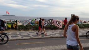 Ipanema strandstrandpromenad Rio de Janeiro Brazil stock video