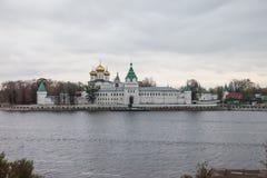 Ipatievsky-Kloster in Kostroma Lizenzfreie Stockbilder