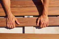 Ipe som pryder för installationsgem för däck wood hållare Royaltyfri Fotografi