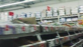 Iper intervallo L'ipermercato nella prima persona stock footage