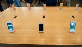 IPhne 7 und iPhone 7 Plusstrecke Lizenzfreie Stockfotos